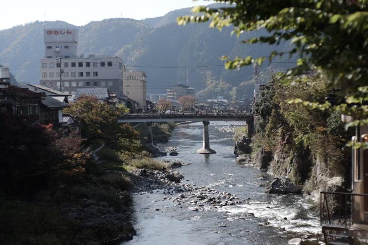 The Yoshida River in Gujo Hachiman, taken by a tour guide in Japan (郡上八幡の吉田川)