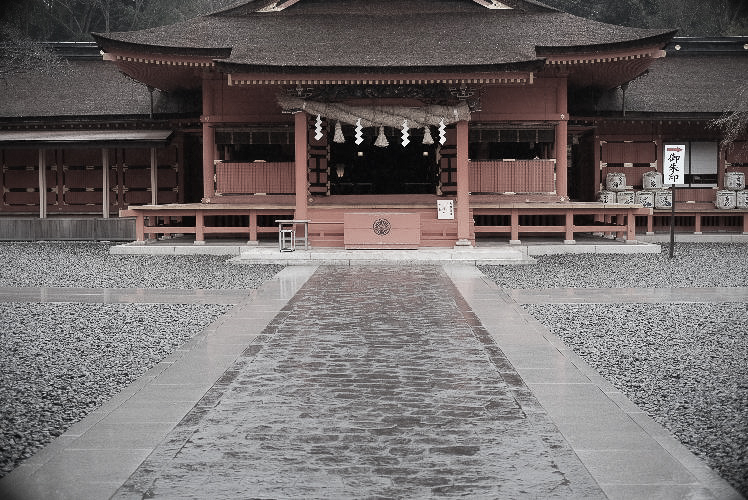 Worship Hall of a Shinto shrine (Summar 5cm f2)