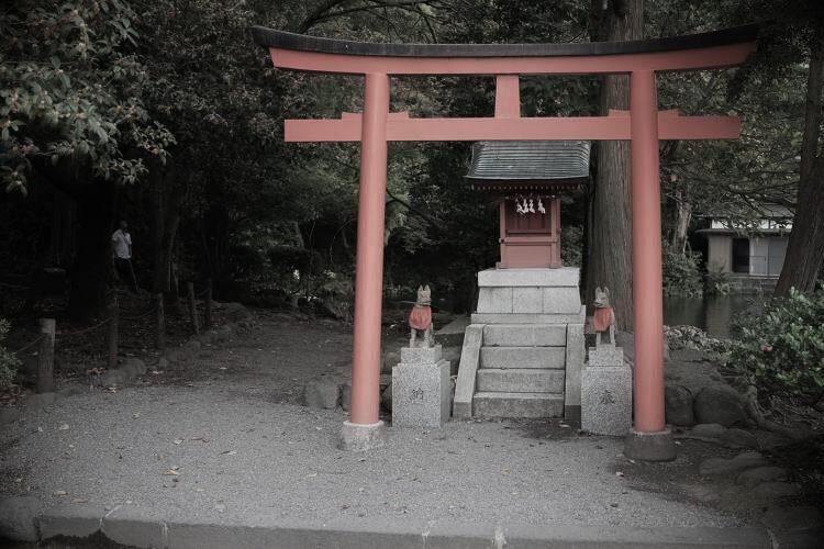 A small inari shrine near Mount Fuji